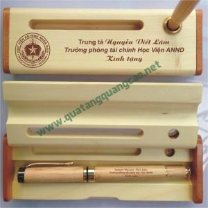 Bút gỗ khắc tên chữ hình 12